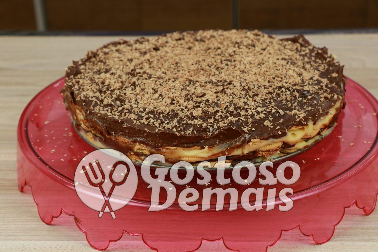 Torta de Biscoito de Chocolate e Leite Ninho